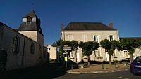 Chambon-sur-Cisse - Mairie et église.jpg