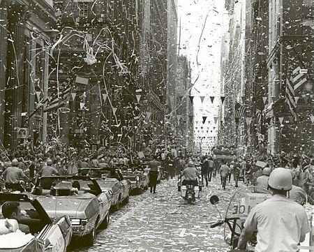 Chicago Welcomes the Apollo 11 Astronauts (9457411063).jpg