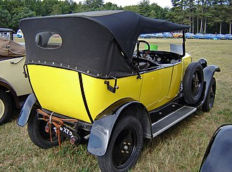Citroën Type B12 - Image: Citroën B12 yellow rear