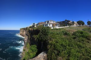 Dover Heights, New South Wales - Houses and apartments line the cliff top in Dover Heights