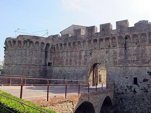 Colle, Porta Nova, o Porta Volterrana
