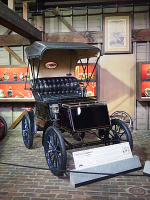 Columbia (automobile brand) - 1903 Columbia Electric Runabout, the best-seller car in the U.S. in 1900 and the first to exceed 1000 sales.