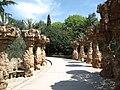 Columns in Park Güell.jpg