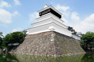 Composite photograph of the Kokura Castle tower restoration illustrations.png