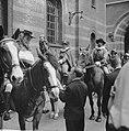Coolsingel van Rotterdam, een delegatie uit Berkel-Rodenr te paard om de gemeent, Bestanddeelnr 915-2381.jpg