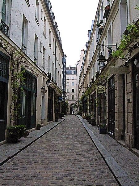 File:Cour Damoye - Paris 2013.jpg