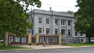 Dade County, Missouri - Image: Dade County MO Courthouse 20150715 8241