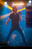 Dan Reynolds - Ilosaarirock 2013 2.jpg