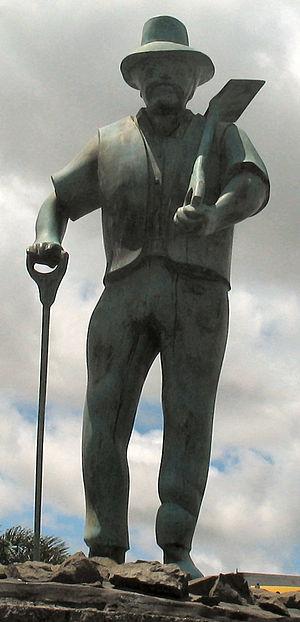 Gumdigger statue at Dargaville, Northland, New...