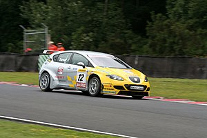 Darren Turner - Turner driving for SEAT at the Oulton Park round of the 2007 British Touring Car Championship.