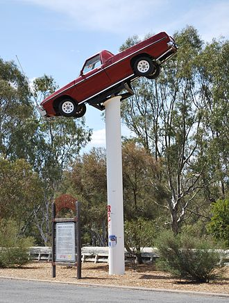 """Ute muster - The """"Ute on the Pole"""" at Deniliquin"""