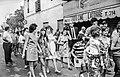 Després del bateig davant la botiga de fotografia LATORRE (País Valencià).jpg