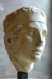 Diadumenos head Louvre