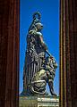 Die Bavaria (weltliche Patronin Bayerns) vor der Ruhmeshalle an der Thresienwiese (9318694580).jpg