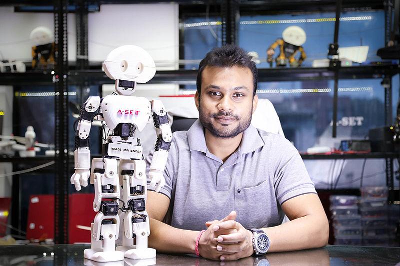 File:Diwakar Vaish with his development - Manav at A-SET Robotics Lab.jpg