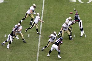 2007 New Orleans Saints season - Brees passing against the Houston Texans, week 11