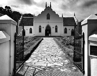 Dutch Reformed Church, Franschhoek - Image: Dutch Reformed Church, Franschhoek Black and White