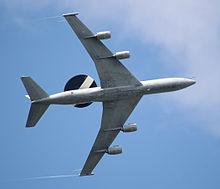 E3 sentry - radar volante ottenuto a partire dalla cellula del Boeing 707.