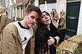 Een man en een vrouw die de pest hebben 1 april feest Brielle.JPG