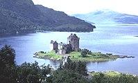 Eilean Donan Castle - geograph.org.uk - 8339.jpg