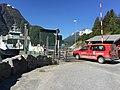 Ein Zustellerfahrzeug der Posten Norge befährt eine Fähre.jpg