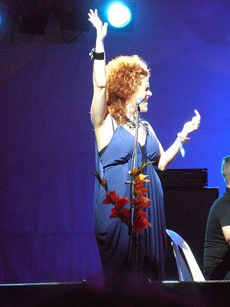 Katie Noonan - Katie Noonan performing with Elixir at the Woodford Folk Festival, 29 December 2011