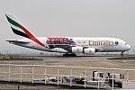 Emirates (Paris Saint-Germain F.C. Livery), A6-EUB, Airbus A380-861 (39746337465).jpg