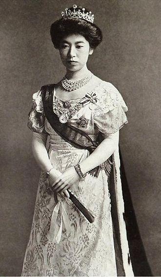 Empress Teimei - Formal portrait, 1912