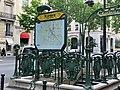 Entrée Station Métro Kléber Paris 2.jpg