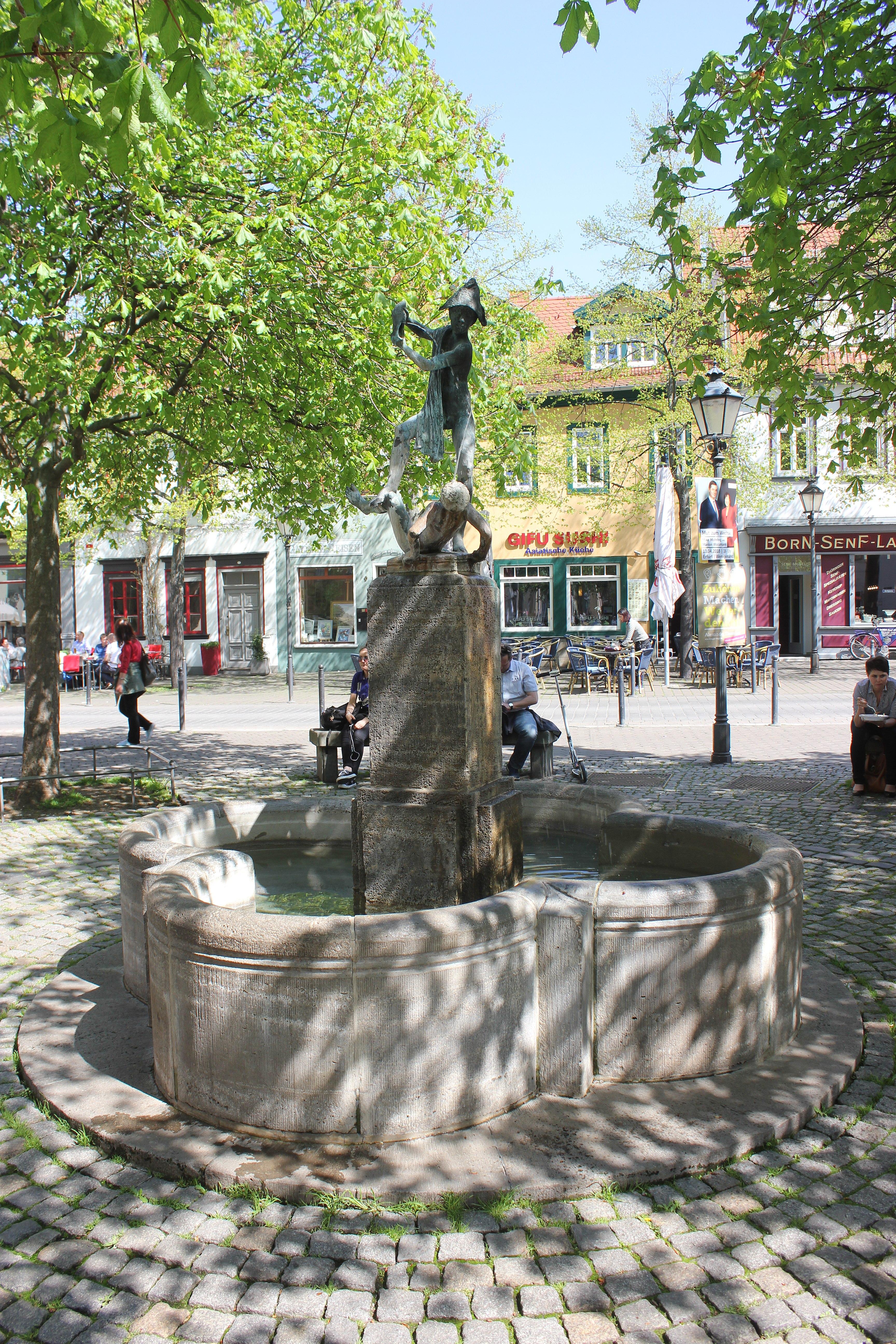 File Erfurt Fontanna Wenigemarkt 1 Jpg Wikimedia Commons