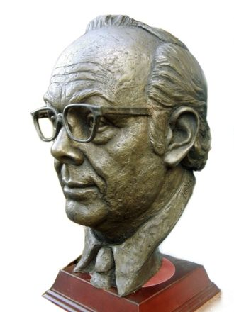 Eric Morecambe - Bronze bust of Morecambe sculpted by Victor Heyfron in 1963