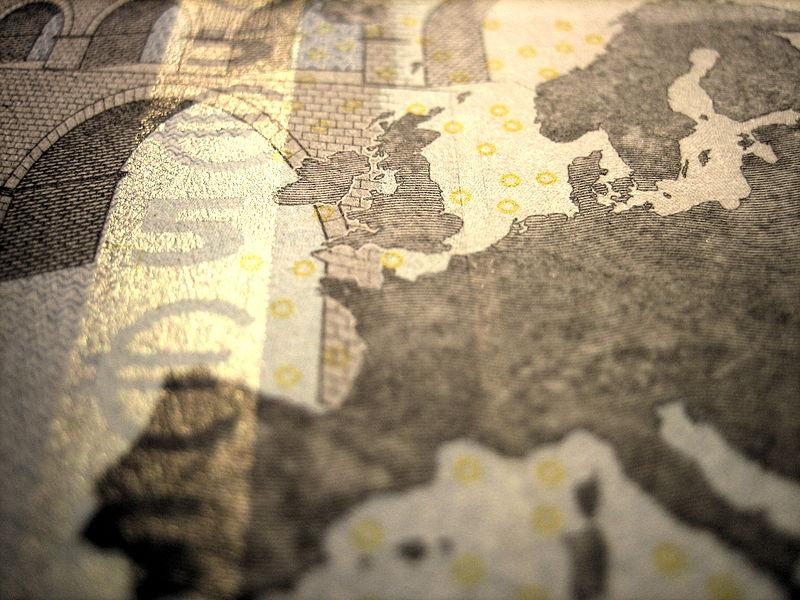 File:Euro note close 2.jpg