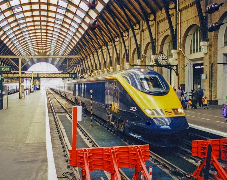 File:Eurostar EMU on new service from York, King's Cross 2000.jpg
