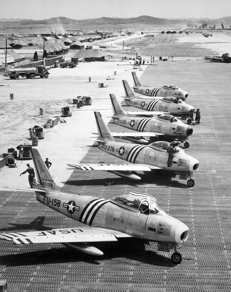 F-86As 4FIW Suwon Jun1951.jpeg
