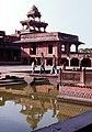 Fatehpur Sikri-22-Palast-Bassin-1976-gje.jpg