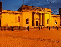 Ferens Art Gallery at Night - geograph.org.uk - 1560622.jpg