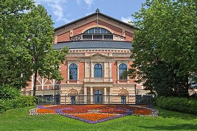 Festspielhaus Bayreuth 2016.jpg