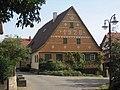 Filderstadt-Sielmingen neben der Kirche.jpg