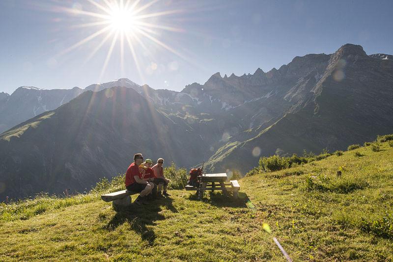 File:Firstboden mit Tschingelhörnern bei Elm, Glarus Süd, Kanton Glarus.jpg