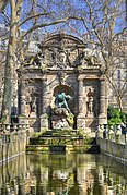 Fontaine de Médicis Paris 6th 001.jpg