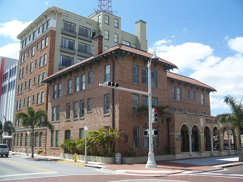 File:Fort Myers FL Downtown HD Franklin Arms02.jpg