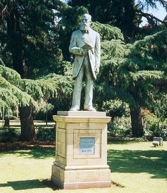 Francis William Reitz - Statue of Francis William Reitz in Bloemfontein