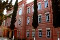 Gəncə Real məktəbi binası.png