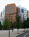 Gehry Building MIT 7 (6272332150).jpg