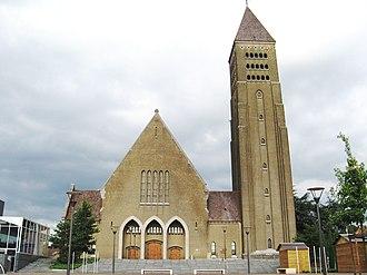 Genk - Image: Genk Sint Martinuskerk