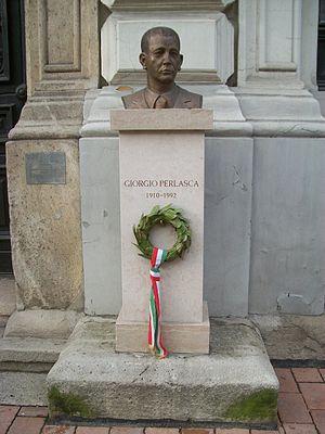 Giorgio Perlasca szobra