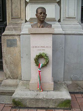 Giorgio Perlasca - Perlasca bust in Budapest