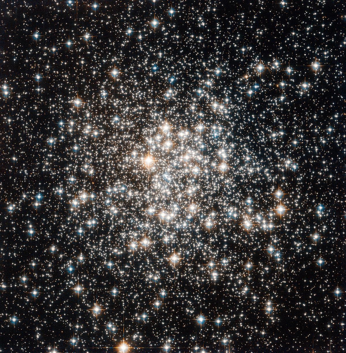 Aufnahme von Messier 107 des Hubble-Weltraumteleskops