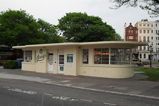 Gossip in the Steine Café, Old Steine, Brighton (IoE Code 481007)