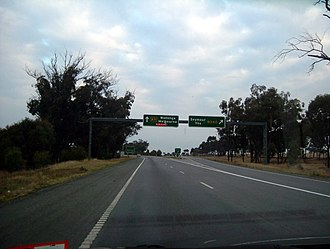 Goulburn Valley Highway - The Goulburn Valley Highway exit to Seymour and Yea near the Hume Freeway